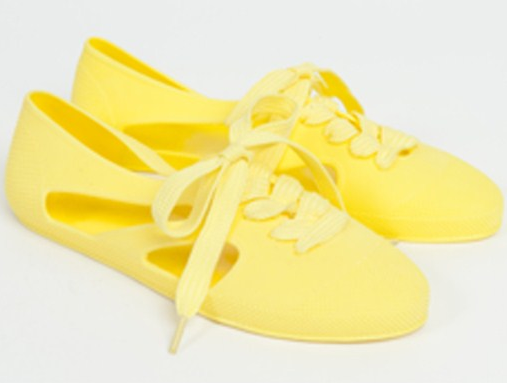7054b5f53b2e what to buy in the heatwave  bathing shoes – En Brogue