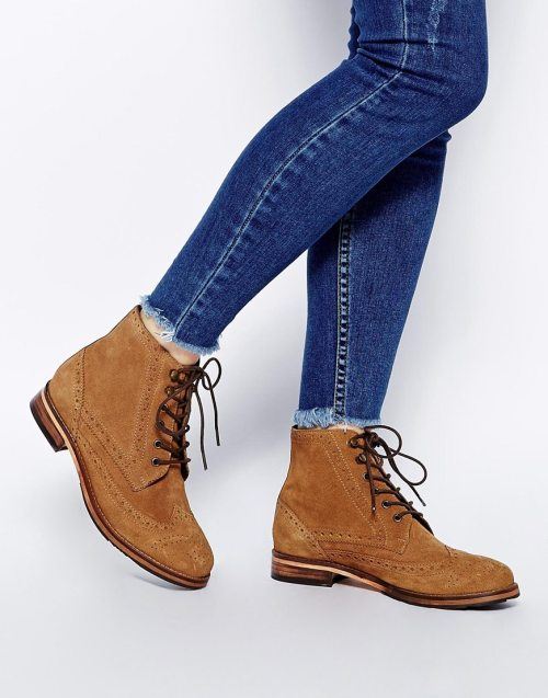Acting Up boot, £55, asos.com (BUY ME HERE!)