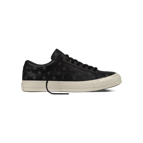 converse-embroidered-dots-one-star-black
