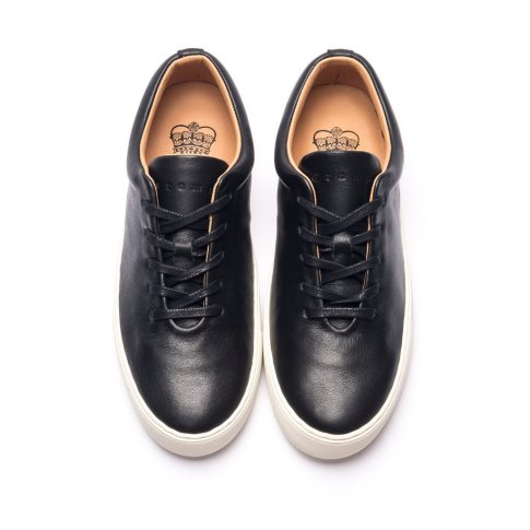 wholecut sneaker black white