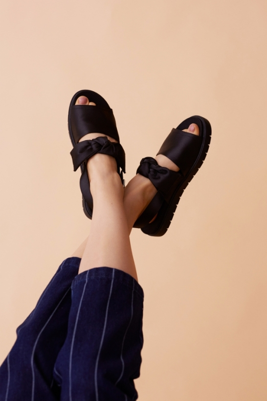 Monki bow sandals
